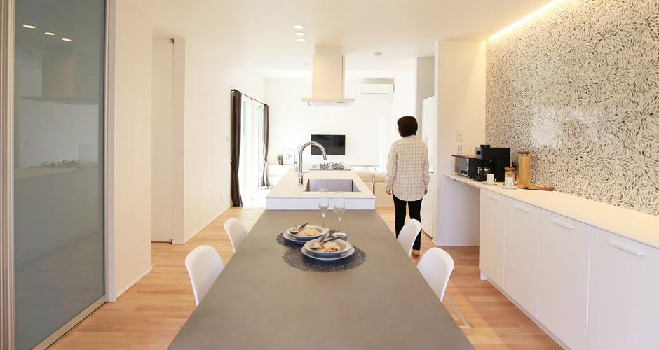 導線設計にこだわった使いやすいキッチンのイメージ